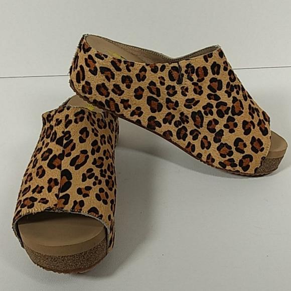 Volatile calf hair sandals 7 0921